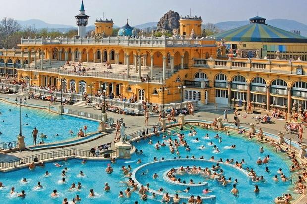 5 курортів з термальними джерелами в Карпатах, які краще, ніж море