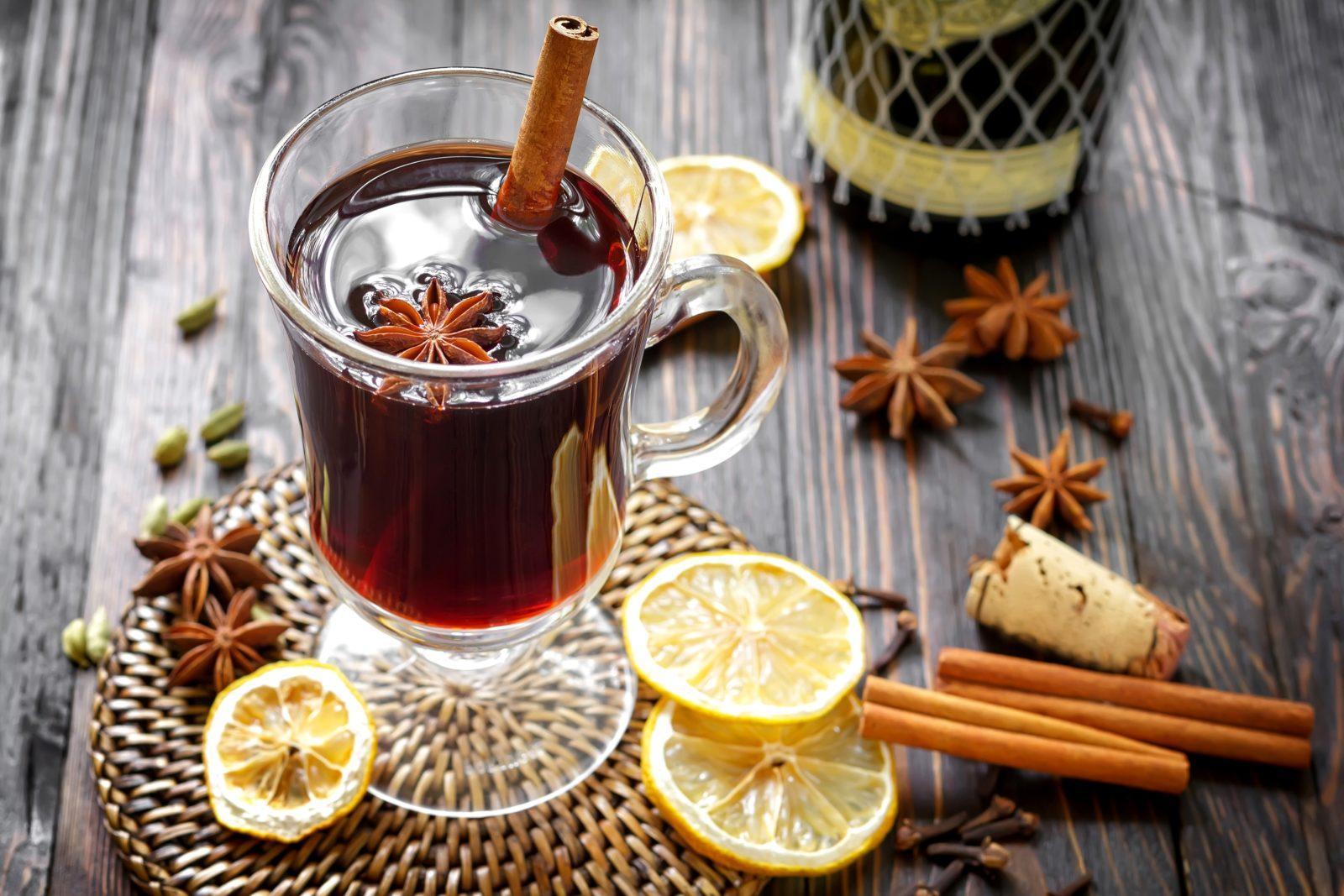 http://korysno.pro/wp-content/uploads/2015/11/glintveyn-napitok-vino-limon.jpg
