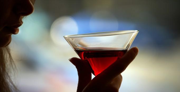 Как пить и не облажаться, если ты девочка