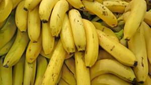 7 проблем, от которых можно избавиться при помощи двух бананов