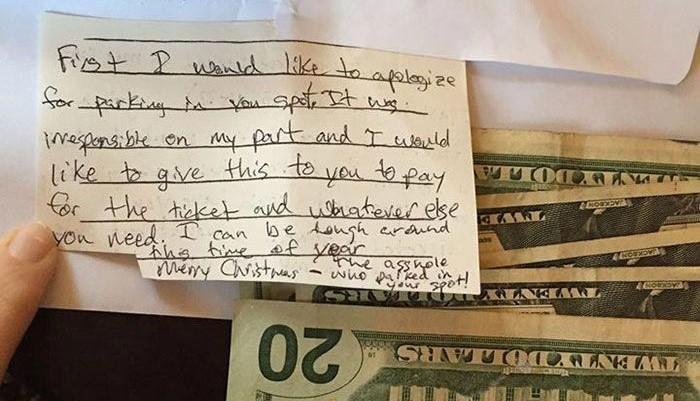 Женщина оставила записку владельцу машины, укравшему ее парковочное место, и получила неожиданный ответ
