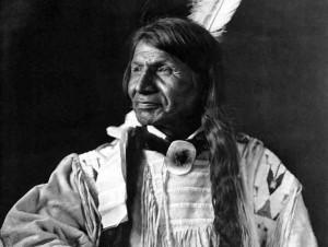 Причина заставляет шевелиться ваши волосы! Индейцы никогда не стриглись.