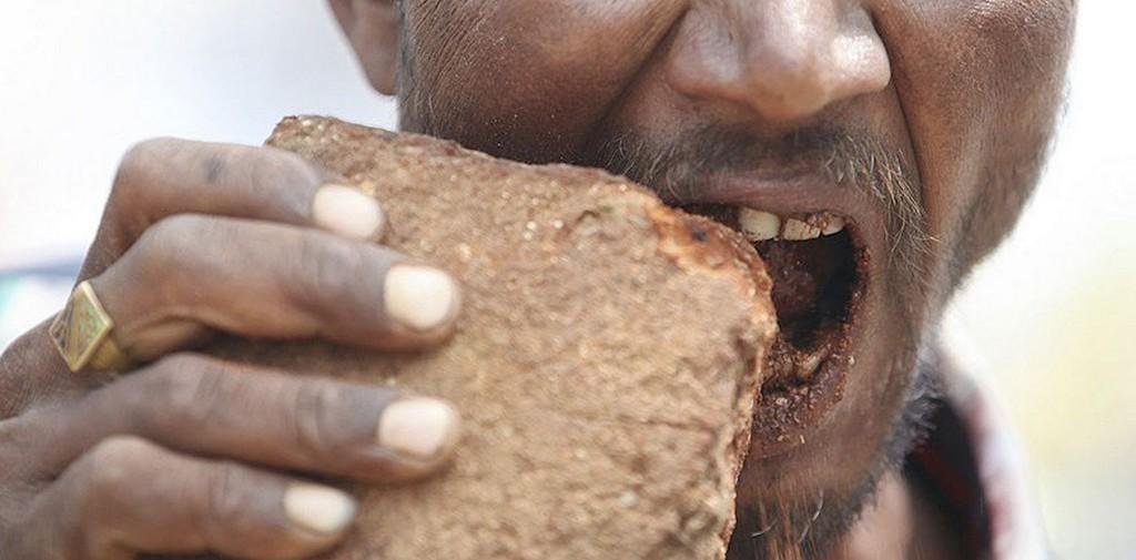Почему люди едят землю? Интересные факты.