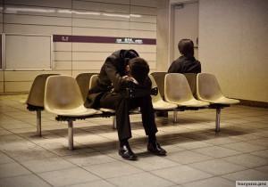 Спят усталые японцы