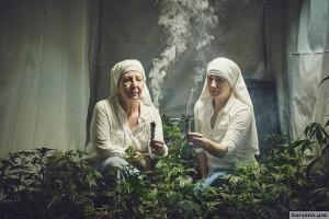 Фоторепортаж: как живут монахини, выращивающие марихуану