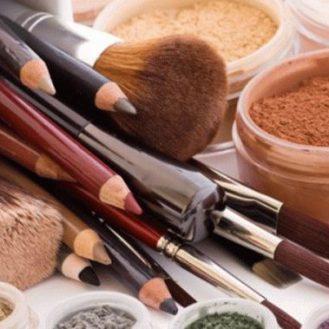 10 косметических средств, которыми нельзя делиться