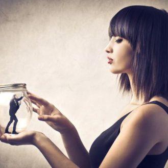 Как женщина лишает своего мужчину мужественности