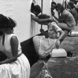 Любовь на войне: 20 исторических снимков о прощании и встрече влюбленных.