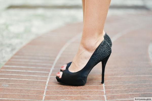 Мужчины, а вы знали, что от каблуков вылезает геморрой?