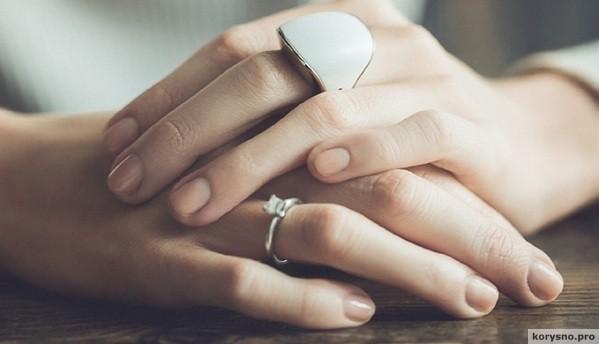 Может показаться, что это обычное кольцо. Но ты удивишься, узнав, зачем его надевают…