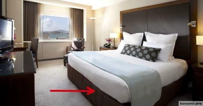 Вот почему горничные в отелях все время заправляют одеяло под матрас