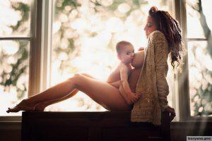 20 фотографий, наглядно показывающих, для чего женщине  грудь