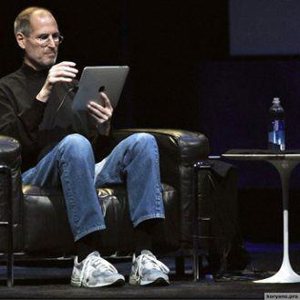 За два месяца до смерти Стив Джобс решил переизобрести телевидение