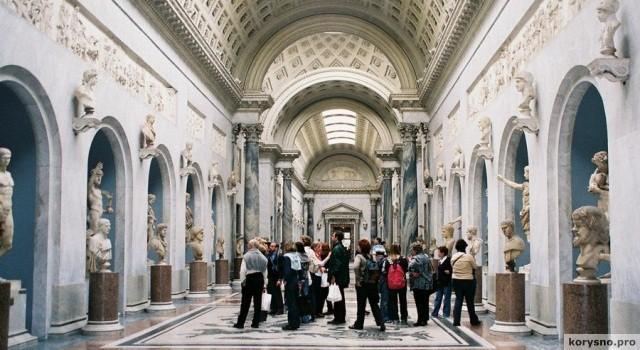 «Культурный бонус»: правительство Италии подарит подросткам на совершеннолетие по 500 евро на книги и музеи