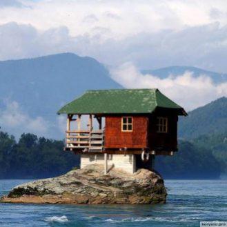 Самые невероятные места, где живут люди