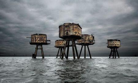 Человек тут больше не живет. Покинутые сооружения.