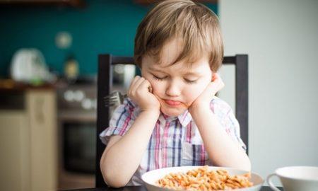 4 способа воспитать нездоровое отношение к еде у ребенка