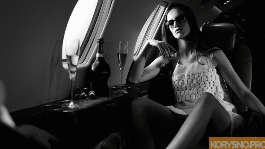 Вот почему вы должны всегда выбирать в самолете вино вместо кофе