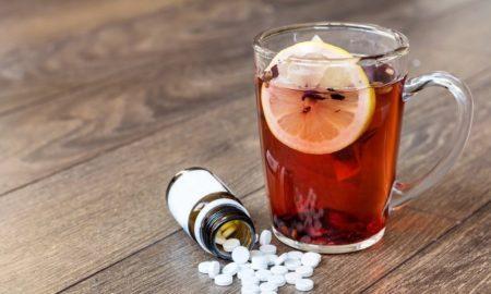 6 напитков, которыми опасно запивать лекарства