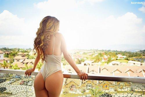 Провокационные эротические фотографии Оскара Букаралука