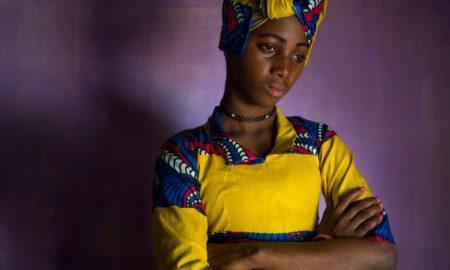 «Это сделает тебя спокойнее»: Истории женщин, которым сделали обрезание
