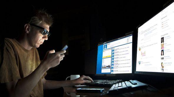 Как понять, что у вас зависимость от соцсетей - и стоит ли лечиться?