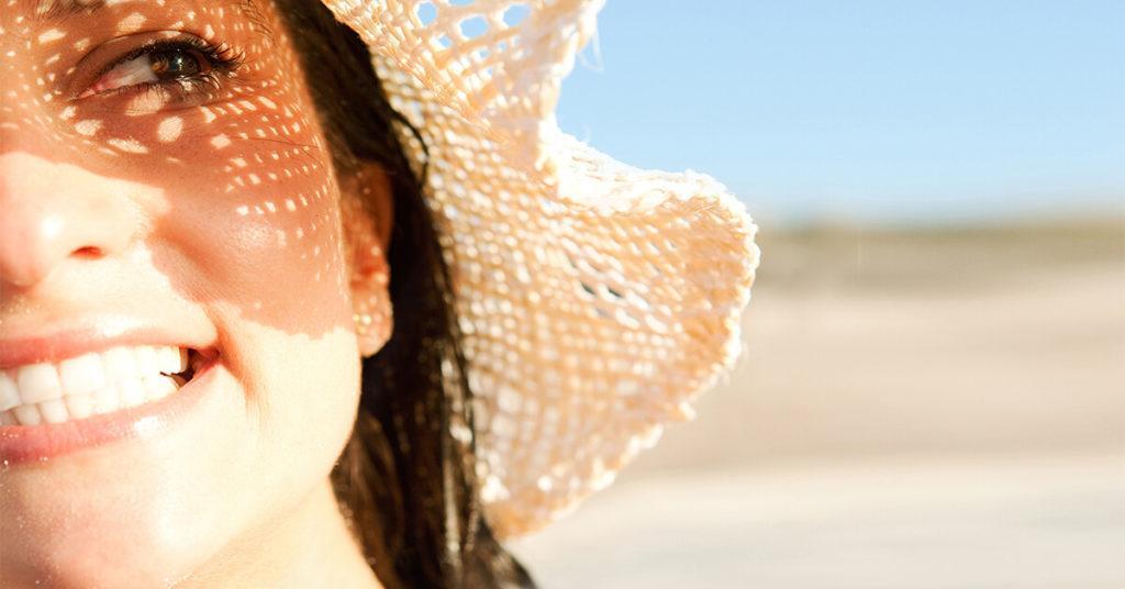 Как защититься от рака под жарким солнцем? 4 факта от онколога