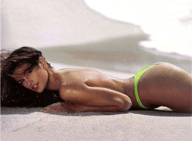 7 самых сексуальных топ-моделей в купальниках