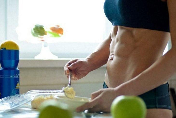 Ешь и тренируйся: секреты правильного питания перед спортзалом