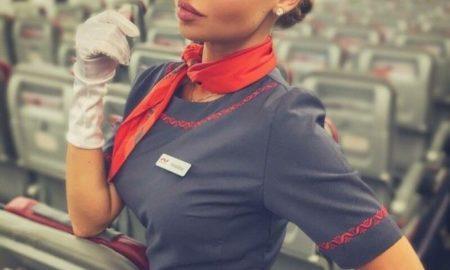 15+ фото очаровательных стюардесс, с которыми полет покажется приятным