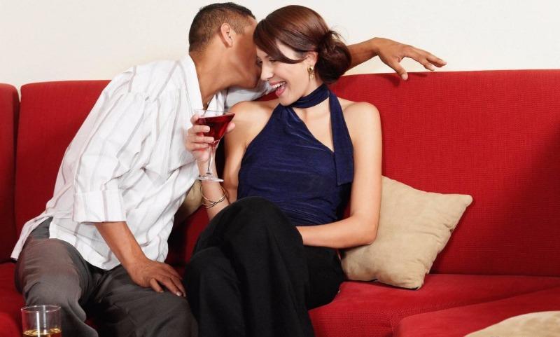 Флирт мужской и женский: в чем разница?