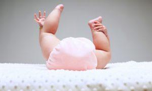 Правда и мифы: ученые выяснили, какие продукты в рационе кормящей мамы вызывают колики у ребенка