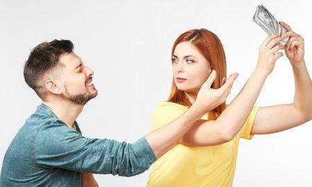 Как спрятать деньги от жены или от мужа
