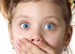 Ребенок застукал вас в спальне за «интересным занятием». Что делать и как найти нужные слова?