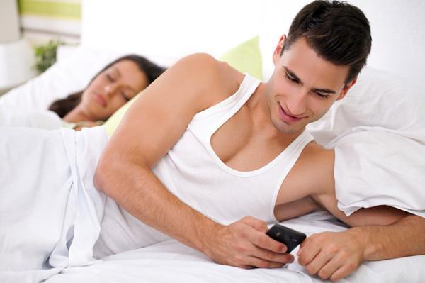 Почему мужья изменяют своим беременным женам — комментарии мужчин и советы психолога
