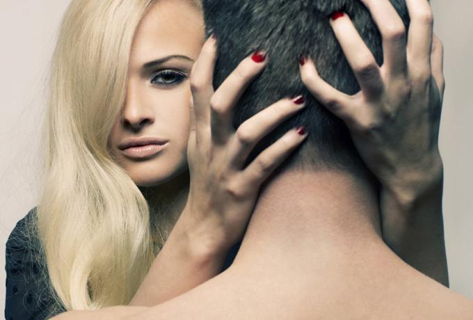 Почему я стала любовницей: 11 искренних историй