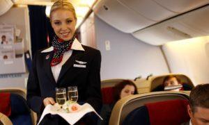 15 ужасных секретов, рассказанных стюардессами