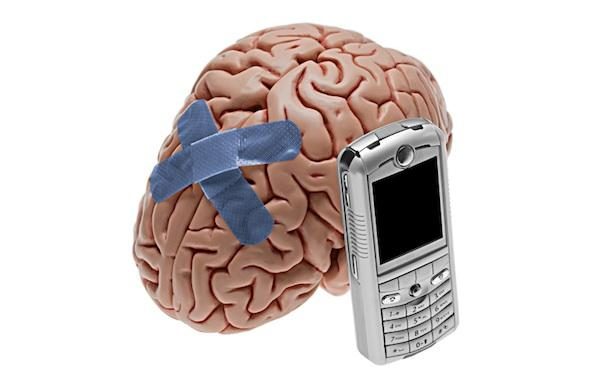 Как свет от смартфона влияет на ваши тело и мозг?