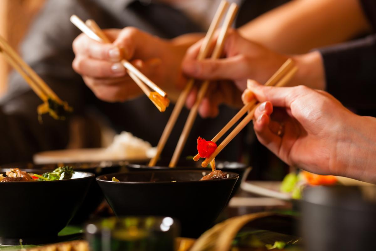 Почему в Азии едят палочками?