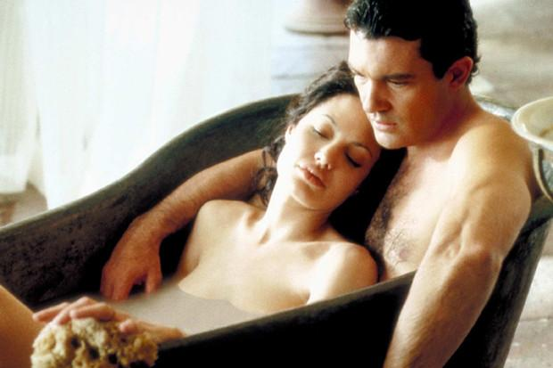 Как на самом деле снимают эротические сцены в кино