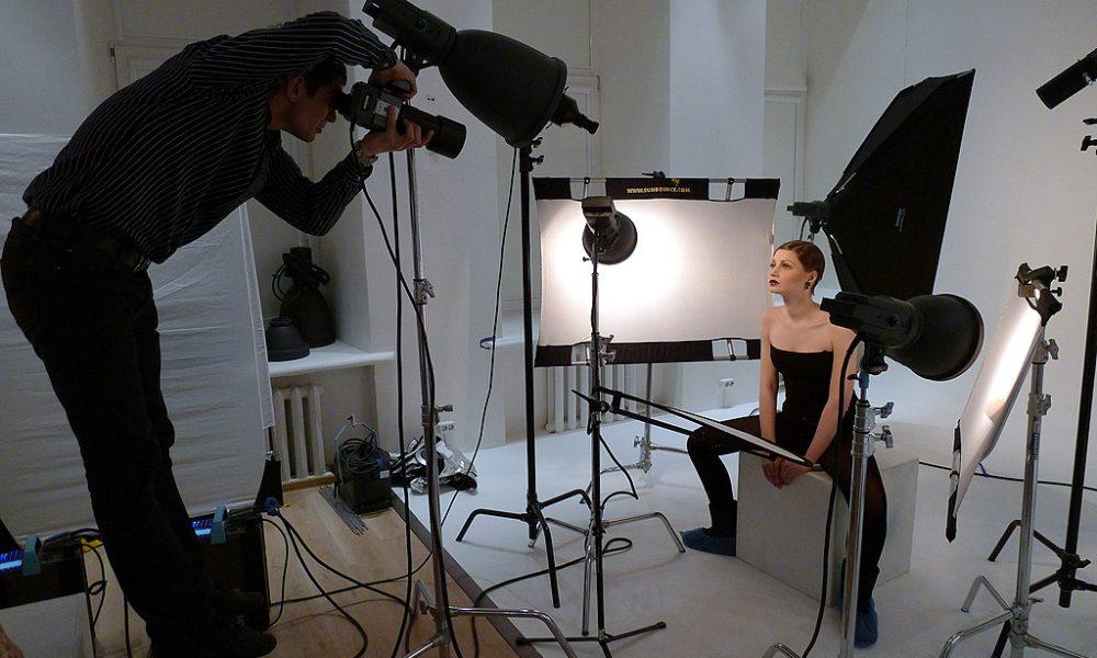 Да будет свет: как фотографу подобрать оптимальную стойку для света